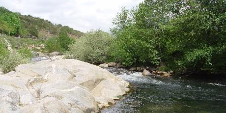《渓流の眺め》 トルナバカス近郊